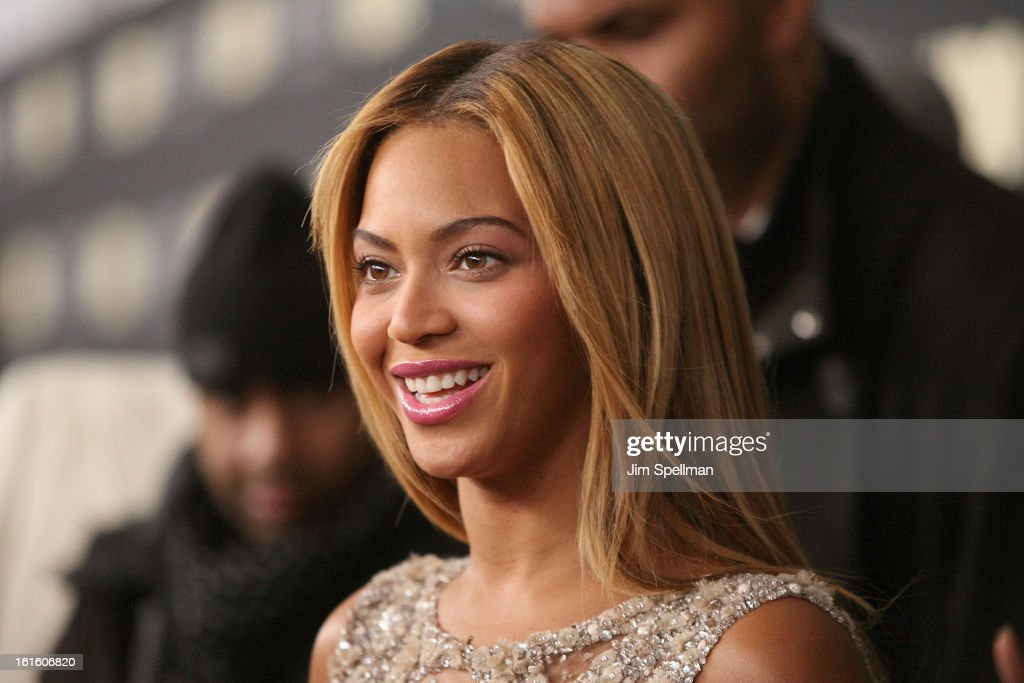 Singer Beyonce attends 'Beyonce: Life Is But A Dream' New York Premiere at Ziegfeld Theater on February 12, 2013 in New York City.
