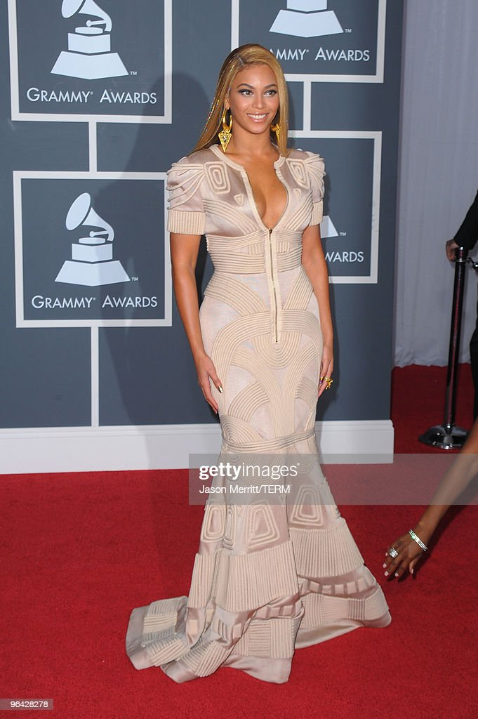 Singer Beyonce Knowles arrives at the 52nd Annual GRAMMY Awards held at Staples Center on January 31, 2010 in Los Angeles, California.