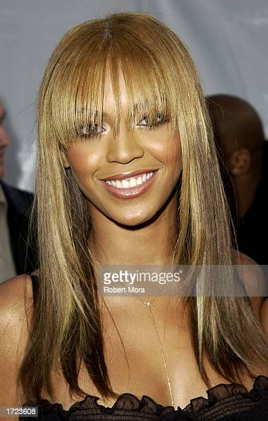Singer Beyonce Knowles attends the 30th Annual American Music Awards at the Shrine Auditorium on January 13 2003 in Los Angeles California