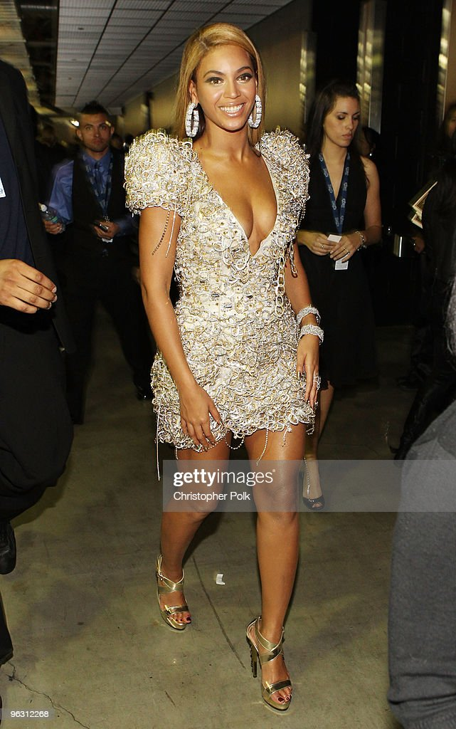 Singer <a gi-track='captionPersonalityLinkClicked' href=/galleries/search?phrase=Beyonce+Knowles&family=editorial&specificpeople=171204 ng-click='$event.stopPropagation()'>Beyonce Knowles</a> backstage during the 52nd Annual GRAMMY Awards held at Staples Center on January 31, 2010 in Los Angeles, California.