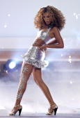 Singer Beyonce Knowles performs onstage at the 2006 BET Awards at the Shrine Auditorium on June 27 2006 in Los Angeles California