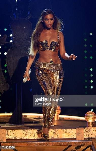 Singer Beyonce Knowles performs onstage during the 2007 BET Awards held at the Shrine Auditorium on June 26 2007 in Los Angeles California