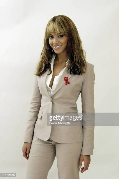 Singer Beyonce Kowles poses for a photo backstage at the '46664 Give One Minute of Your Life to AIDS' concert at Greenpoint Stadium on November 29...