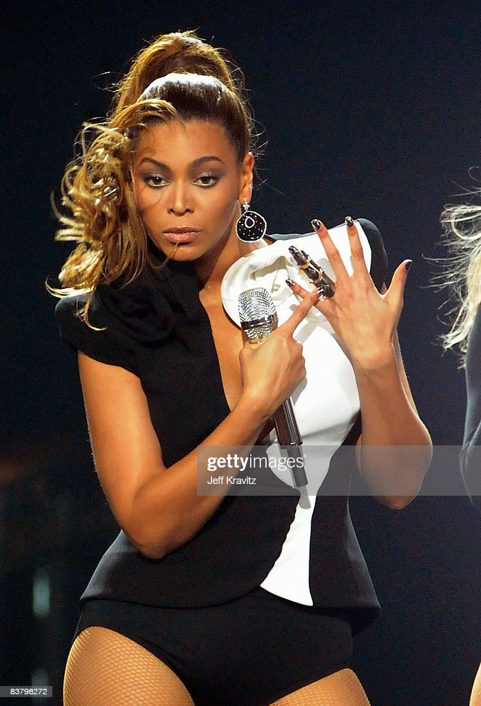 Singer Beyonce onstage during the 2008 American Music Awards held at Nokia Theatre LA LIVE on November 23 2008 in Los Angeles California