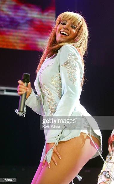 Singer Beyonce performs at 1027 KIIS FM's Third Annual Jingle Ball at the Staples Center on December 5 2003 in Los Angeles California