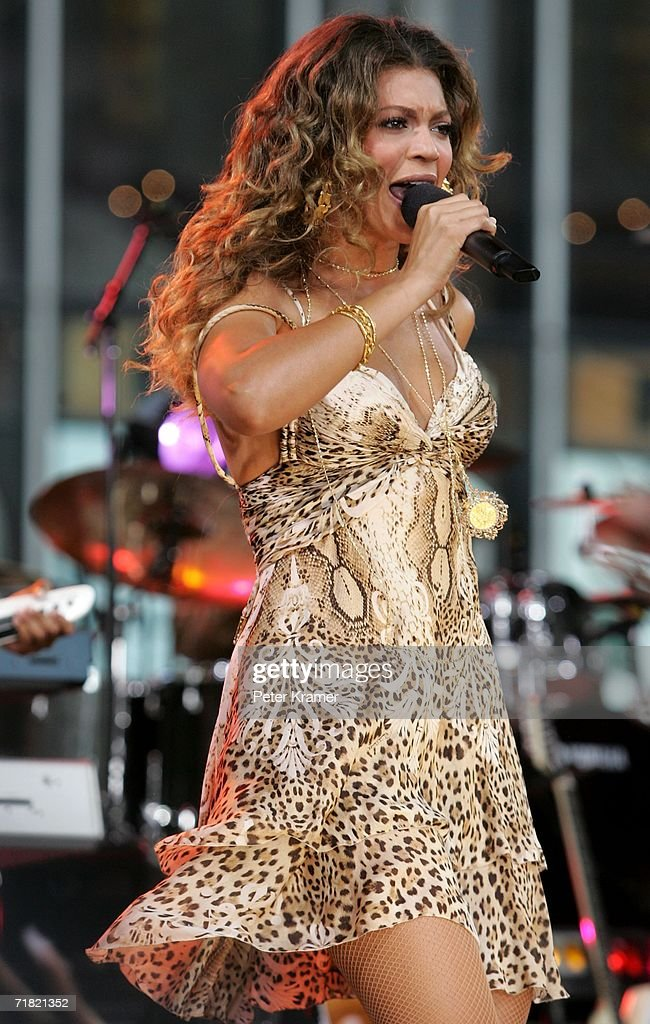 Singer Beyonce performs on the Good Morning America show in Times Square on September 8 2006 in New York City