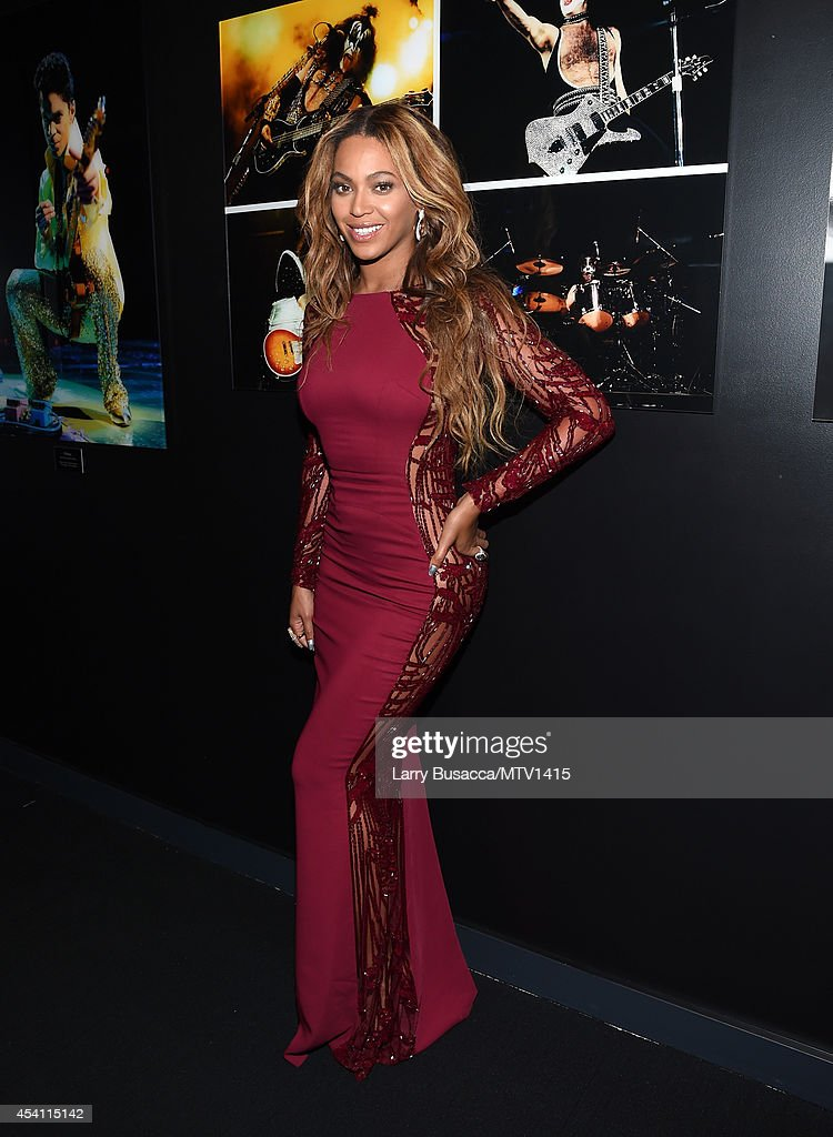 Singer Beyonce poses in the press room during the 2014 MTV Video Music Awards at The Forum on August 24, 2014 in Inglewood, California.