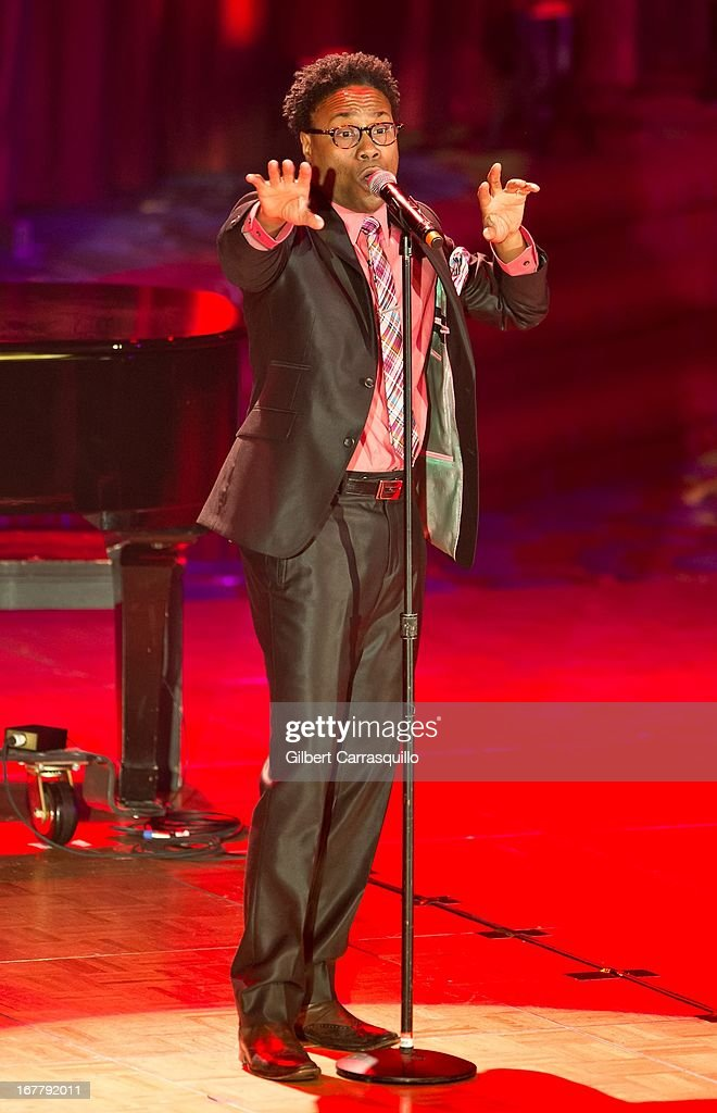 Singer <a gi-track='captionPersonalityLinkClicked' href=/galleries/search?phrase=Billy+Porter&family=editorial&specificpeople=787592 ng-click='$event.stopPropagation()'>Billy Porter</a> attends the 2013 Actors Fund's Annual Gala Honoring Robert De Niro at The New York Marriott Marquis on April 29, 2013 in New York City.