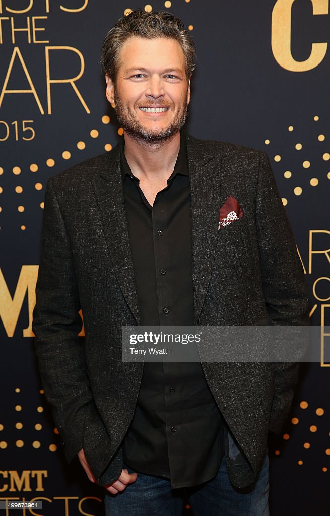 Singer Blake Shelton attends the 2015 'CMT Artists of the Year'at Schermerhorn Symphony Center on December 2, 2015 in Nashville, Tennessee.