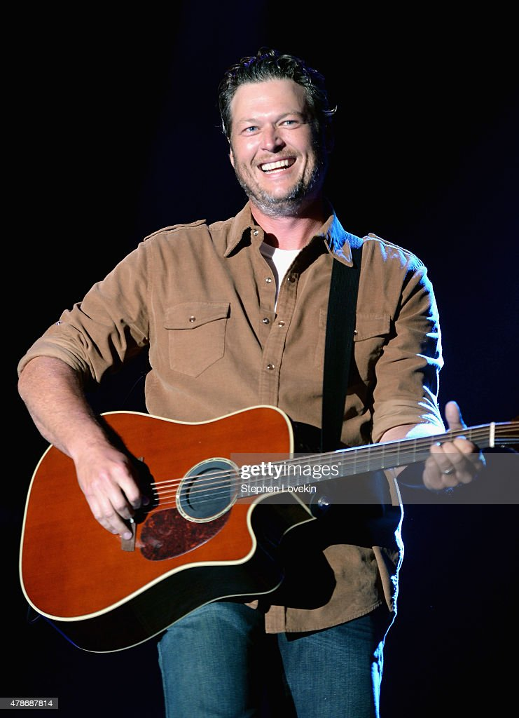 Singer <a gi-track='captionPersonalityLinkClicked' href=/galleries/search?phrase=Blake+Shelton&family=editorial&specificpeople=2352026 ng-click='$event.stopPropagation()'>Blake Shelton</a> performs onstage during day 1 of the Big Barrel Country Music Festival on June 26, 2015 in Dover, Delaware.