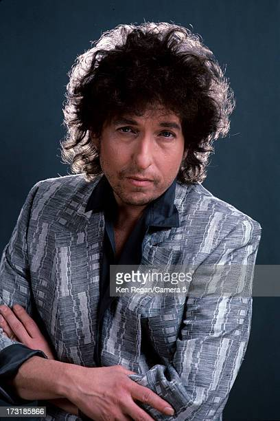 Singer Bob Dylan is photographed at a portrait shoot for Rolling Stone Magazine in 1985 in New York City COVER IMAGE CREDIT MUST READ Ken...