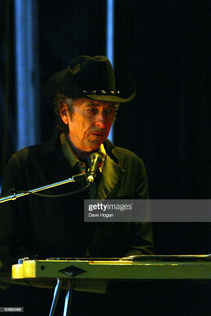 Singer Bob Dylan performs on stage at The Fleadh 2004 at Finsbury Park June 20, 2004 in London, England. The Fleadh 2004 doubles as the London stop of the UK leg of his European tour.