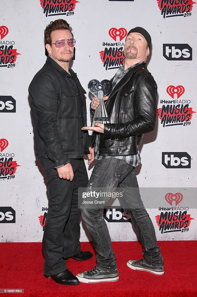 singer-bono-and-musician-the-edge-of-u2-winners-of-the-innovator-in-picture-id518981684