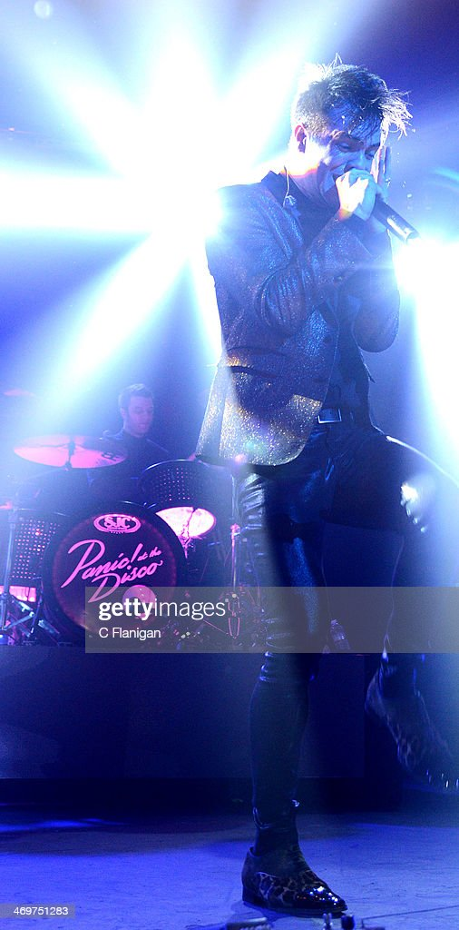 Singer <a gi-track='captionPersonalityLinkClicked' href=/galleries/search?phrase=Brendon+Urie&family=editorial&specificpeople=542276 ng-click='$event.stopPropagation()'>Brendon Urie</a> and Spencer Smith of Panic! at the Disco perform at The Fox Theatre on February 15, 2014 in Oakland, California.