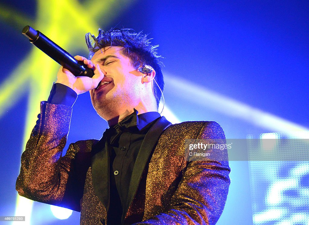 Singer <a gi-track='captionPersonalityLinkClicked' href=/galleries/search?phrase=Brendon+Urie&family=editorial&specificpeople=542276 ng-click='$event.stopPropagation()'>Brendon Urie</a> of Panic! at the Disco performs at The Fox Theatre on February 15, 2014 in Oakland, California.