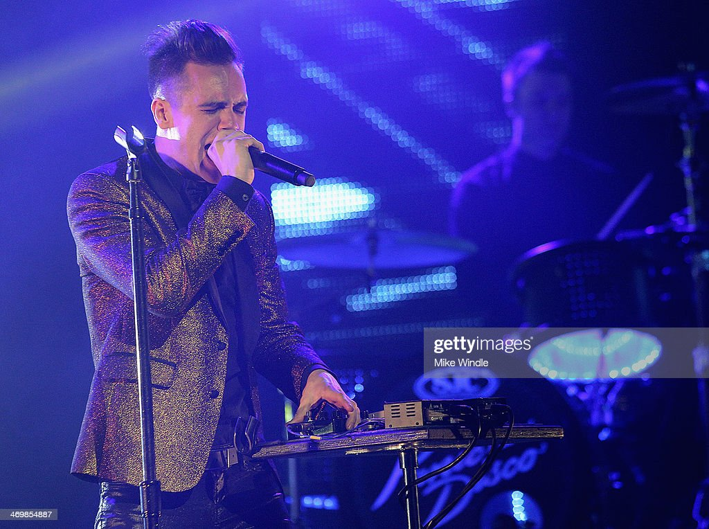 Singer <a gi-track='captionPersonalityLinkClicked' href=/galleries/search?phrase=Brendon+Urie&family=editorial&specificpeople=542276 ng-click='$event.stopPropagation()'>Brendon Urie</a> of Panic! At The Disco performs onstage at The Wiltern on February 16, 2014 in Los Angeles, California.