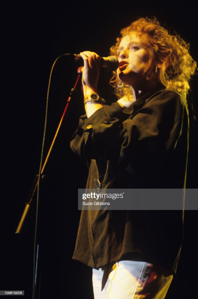 Singer Briana Corrigan of The Beautiful South performs on stage circa 1990.