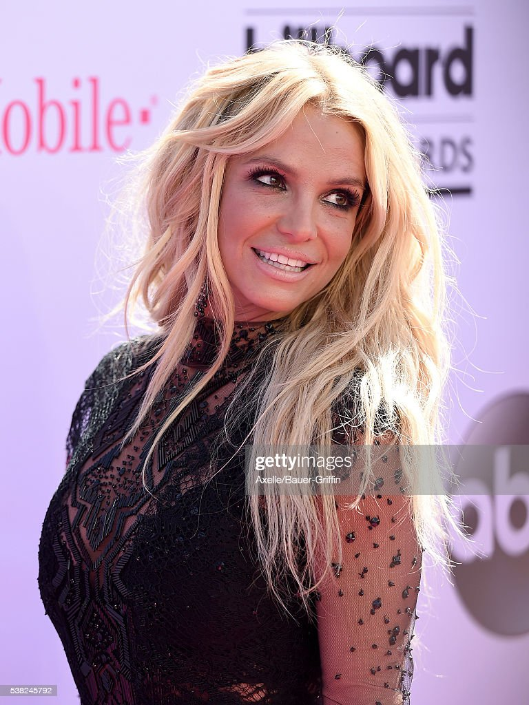 Singer <a gi-track='captionPersonalityLinkClicked' href=/galleries/search?phrase=Britney+Spears&family=editorial&specificpeople=156415 ng-click='$event.stopPropagation()'>Britney Spears</a> arrives at the 2016 Billboard Music Awards at T-Mobile Arena on May 22, 2016 in Las Vegas, Nevada.