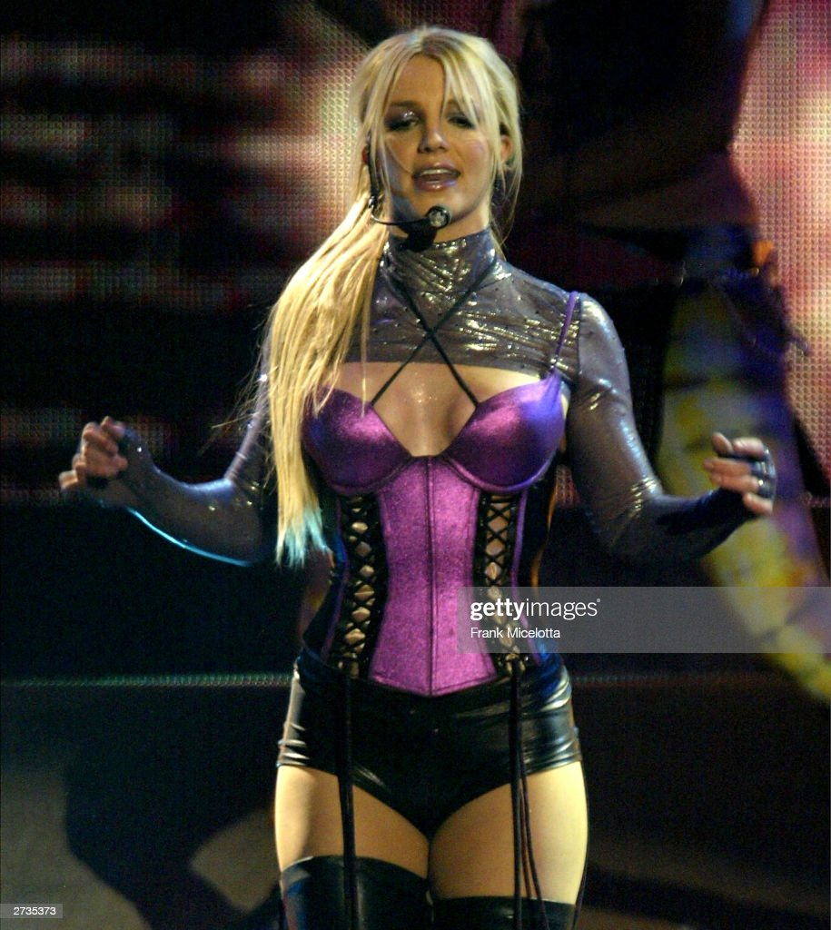Singer Britney Spears performs on stage during the 31st Annual American Music Awards at The Shrine Auditorium November 16 2003 in Los Angeles...