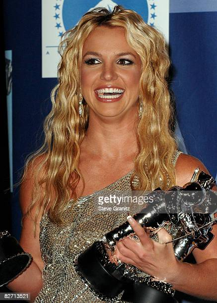 Singer Britney Spears poses in the press room at the 2008 MTV Video Music Awards at Paramount Pictures Studios on September 7 2008 in Los Angeles...