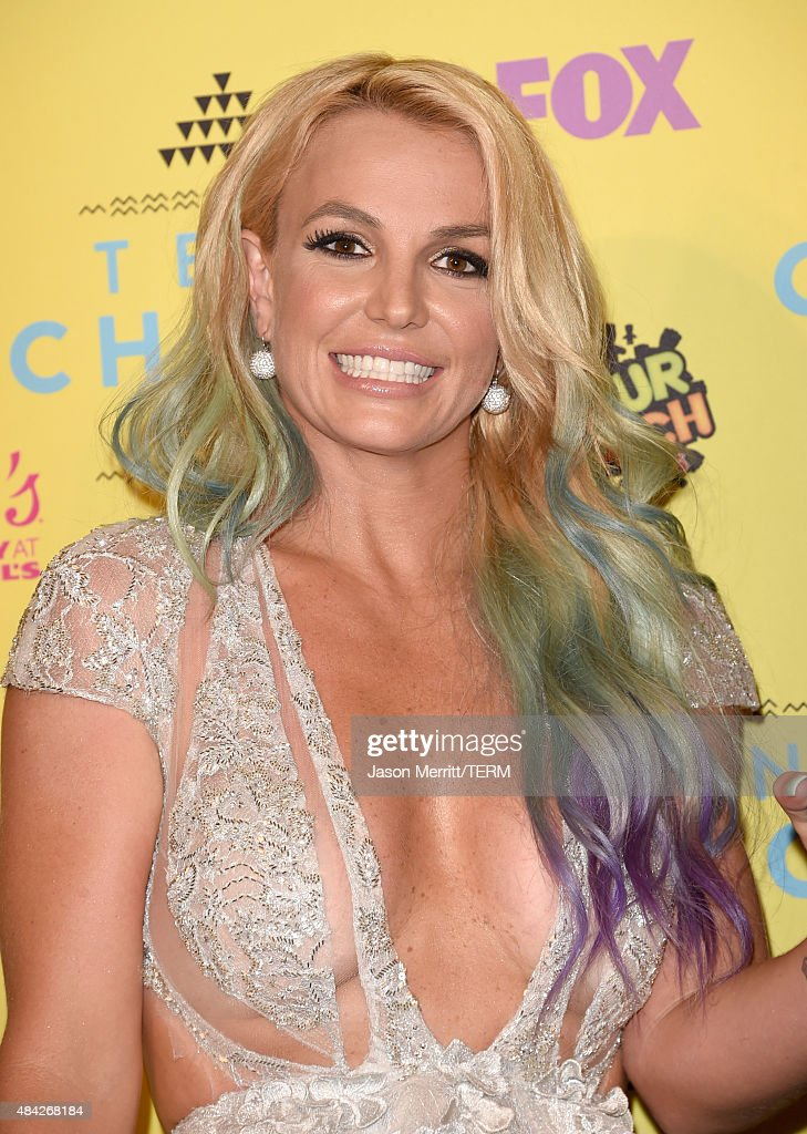 Singer <a gi-track='captionPersonalityLinkClicked' href=/galleries/search?phrase=Britney+Spears&family=editorial&specificpeople=156415 ng-click='$event.stopPropagation()'>Britney Spears</a> poses in the press room during the Teen Choice Awards 2015 at the USC Galen Center on August 16, 2015 in Los Angeles, California.