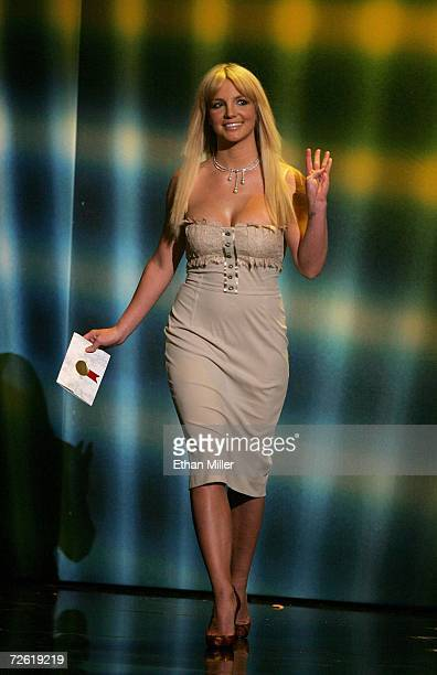 Singer Britney Spears walks on stage to present the award for 'Soul/RB Favorite Artist' during the 2006 American Music Awards held at the Shrine...