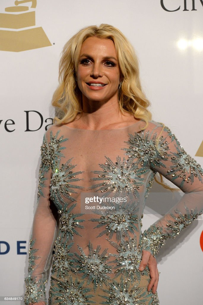 El Rincon de las canciones que nunca se olvidaran...-http://media.gettyimages.com/photos/singer-britney-spears-walks-the-red-carpet-at-the-2017-pregrammy-gala-picture-id634849170?k=6&m=634849170&s=594x594&w=0&h=pHXbhwYSMB4KOWZkva853cgZTQoBeH6AevahYnPgYs4=