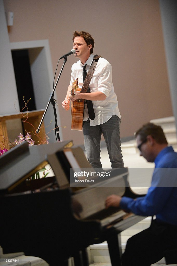 Singer Bryan White performs during the Mindy McCready Memorial Service at Cathedral of the Incarnation on March 6, 2013 in Nashville, Tennessee. McCready was found dead from an apparent suicide on February 17, 2013 at her home in Heber Springs, Arkansas.