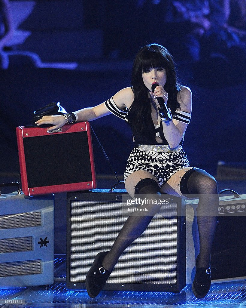Singer Carly Rae Jepsen performs on stage at the 2013 Juno Awards held at the Brandt Centre on April 21, 2013 in Regina, Canada.