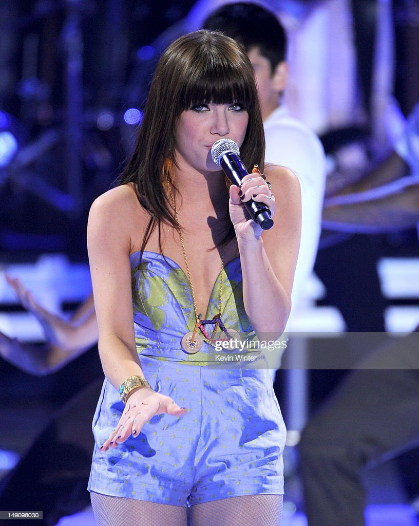 Singer Carly Rae Jepsen performs onstage during the 2012 Teen Choice Awards at Gibson Amphitheatre on July 22, 2012 in Universal City, California.