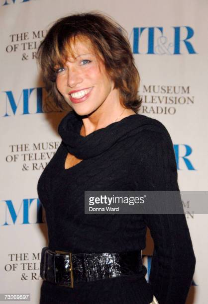 Singer Carly Simon poses at The Museum Of Television Radio's Annual Gala at the Waldorf Hotel on February 8 2007 in New York City