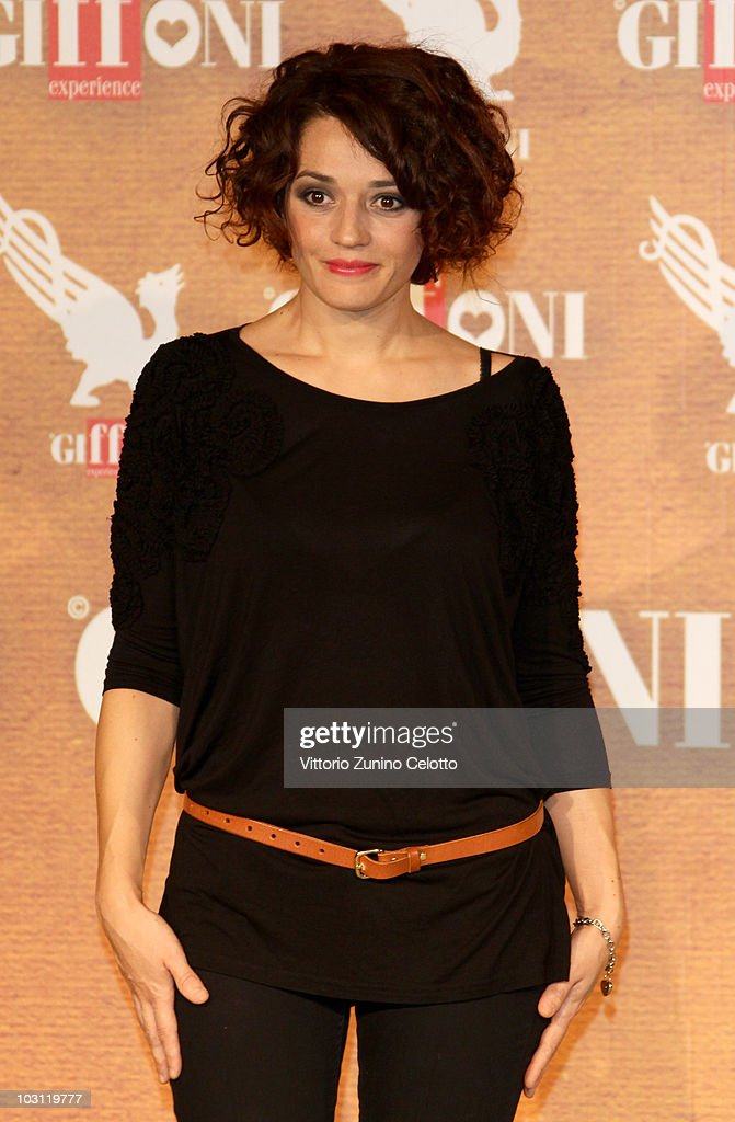 Singer Carmen Consoli attends a photocall during Giffoni Experience 2010 on July 27, 2010 in Giffoni Valle Piana, Italy.