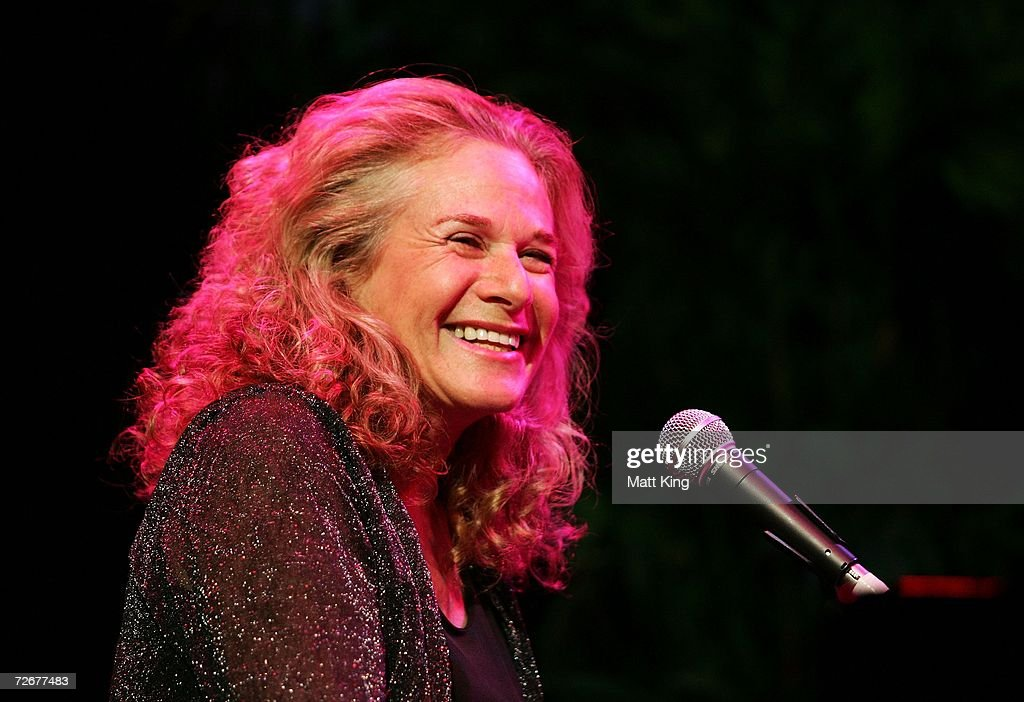 Singer Carole King performs on stage in concert at the Sydney Entertainment Centre on November 30 2006 in Sydney Australia