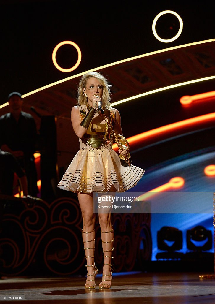 Singer <a gi-track='captionPersonalityLinkClicked' href=/galleries/search?phrase=Carrie+Underwood&family=editorial&specificpeople=204483 ng-click='$event.stopPropagation()'>Carrie Underwood</a> accepts the Female Vocalist of the Year award onstage during the 2016 American Country Countdown Awards at The Forum on May 1, 2016 in Inglewood, California.