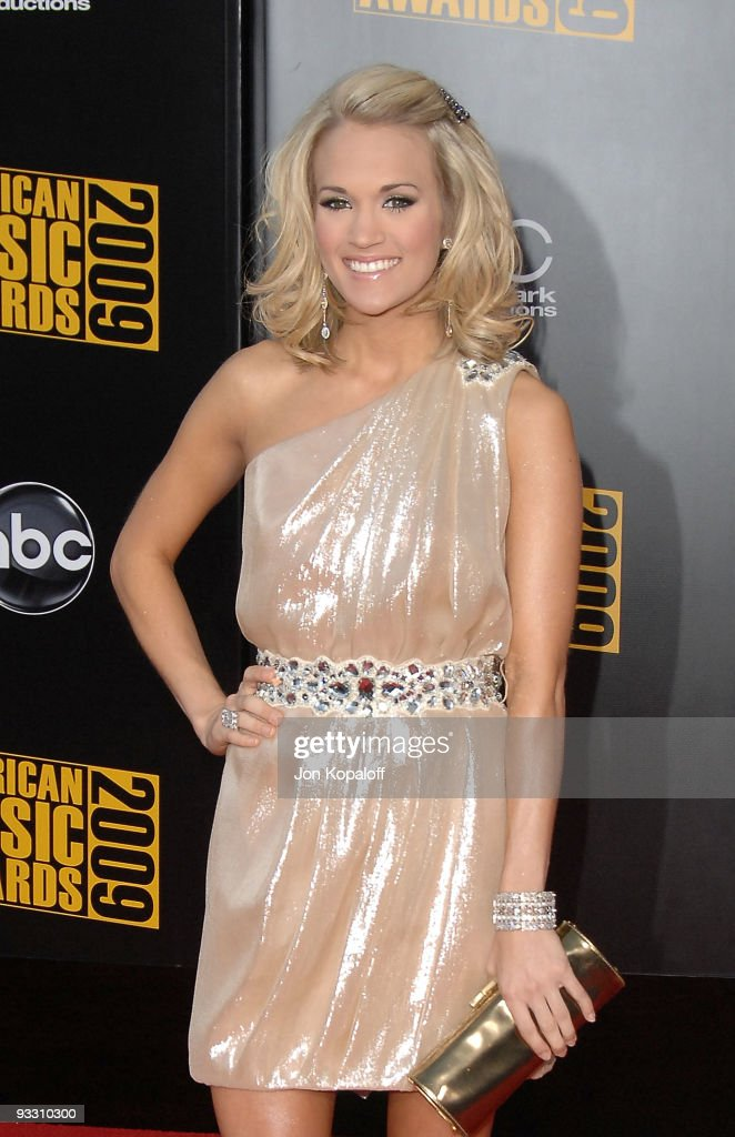 Singer Carrie Underwood arrives at Nokia Theatre L.A. Live on November 22, 2009 in Los Angeles, California.