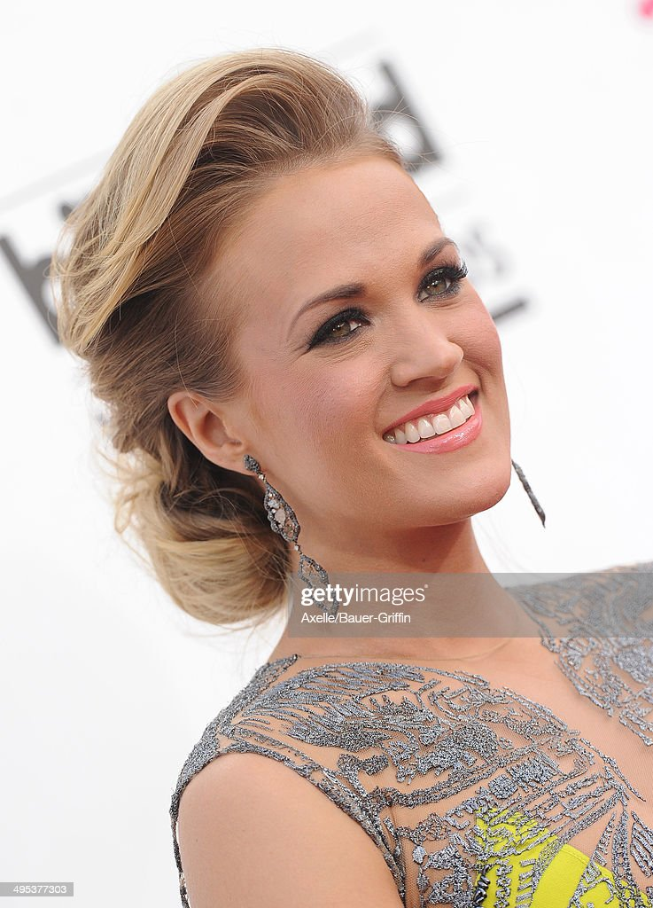 Singer Carrie Underwood arrives at the 2014 Billboard Music Awards at the MGM Grand Garden Arena on May 18, 2014 in Las Vegas, Nevada.