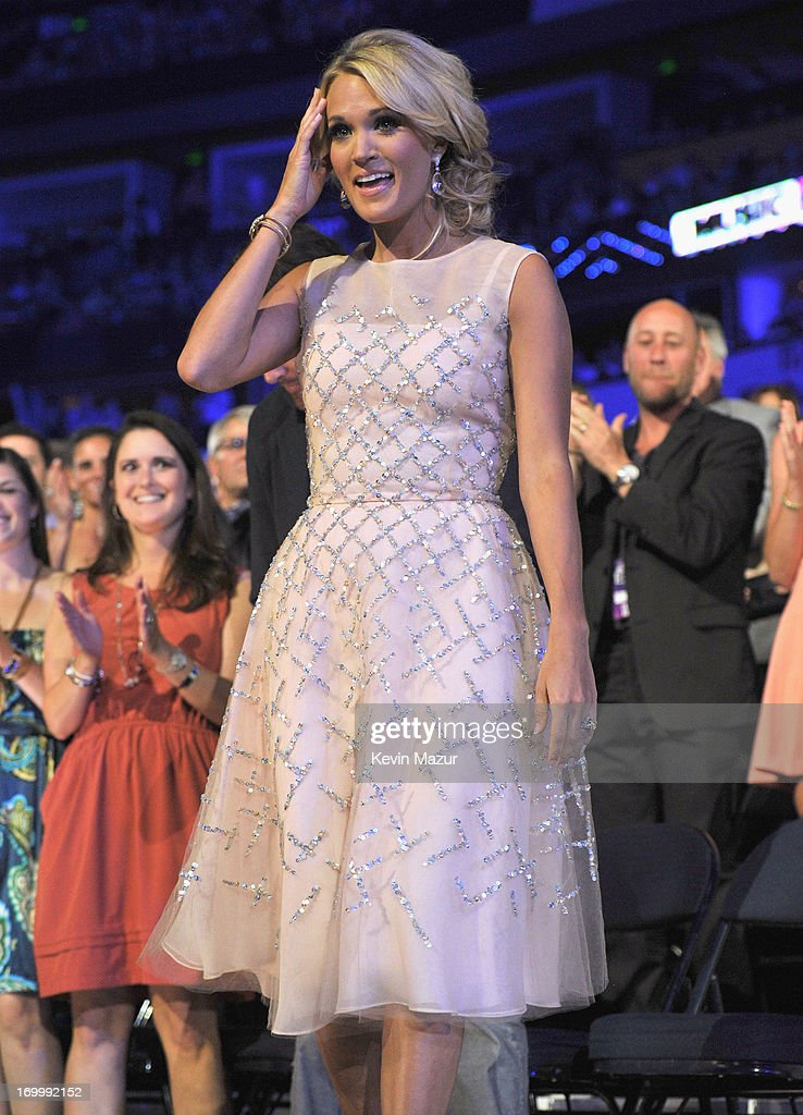 Singer Carrie Underwood attends the 2013 CMT Music awards at the Bridgestone Arena on June 5, 2013 in Nashville, Tennessee.