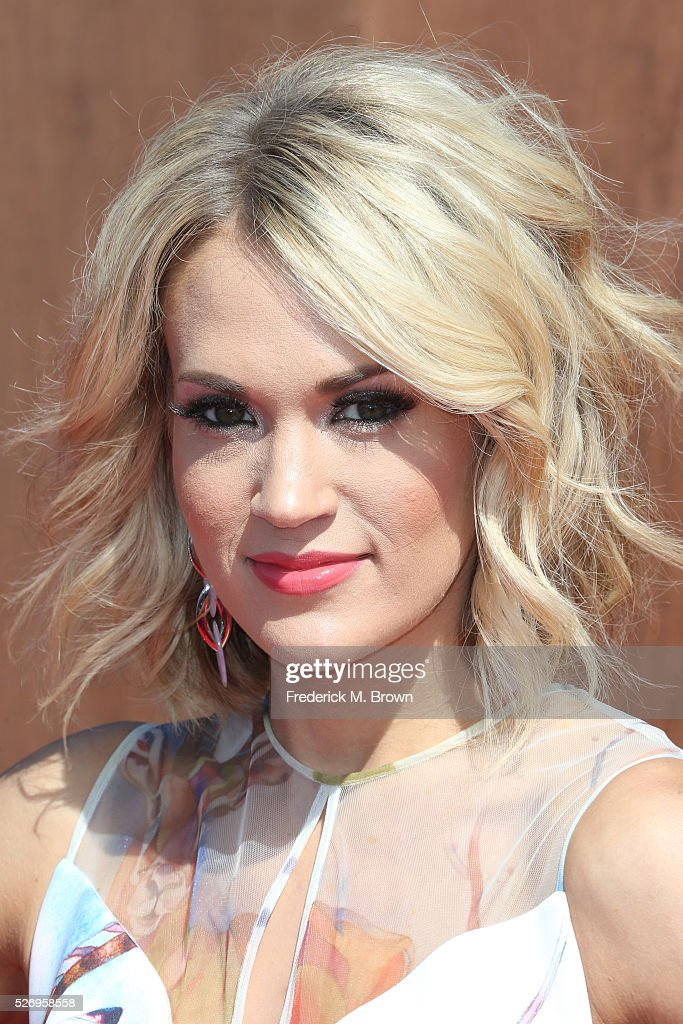 Singer Carrie Underwood attends the 2016 American Country Countdown Awards at The Forum on May 1, 2016 in Inglewood, California.