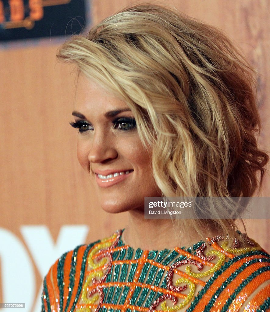 Singer <a gi-track='captionPersonalityLinkClicked' href=/galleries/search?phrase=Carrie+Underwood&family=editorial&specificpeople=204483 ng-click='$event.stopPropagation()'>Carrie Underwood</a> attends the press room at the 2016 American Country Countdown Awards at The Forum on May 01, 2016 in Inglewood, California.