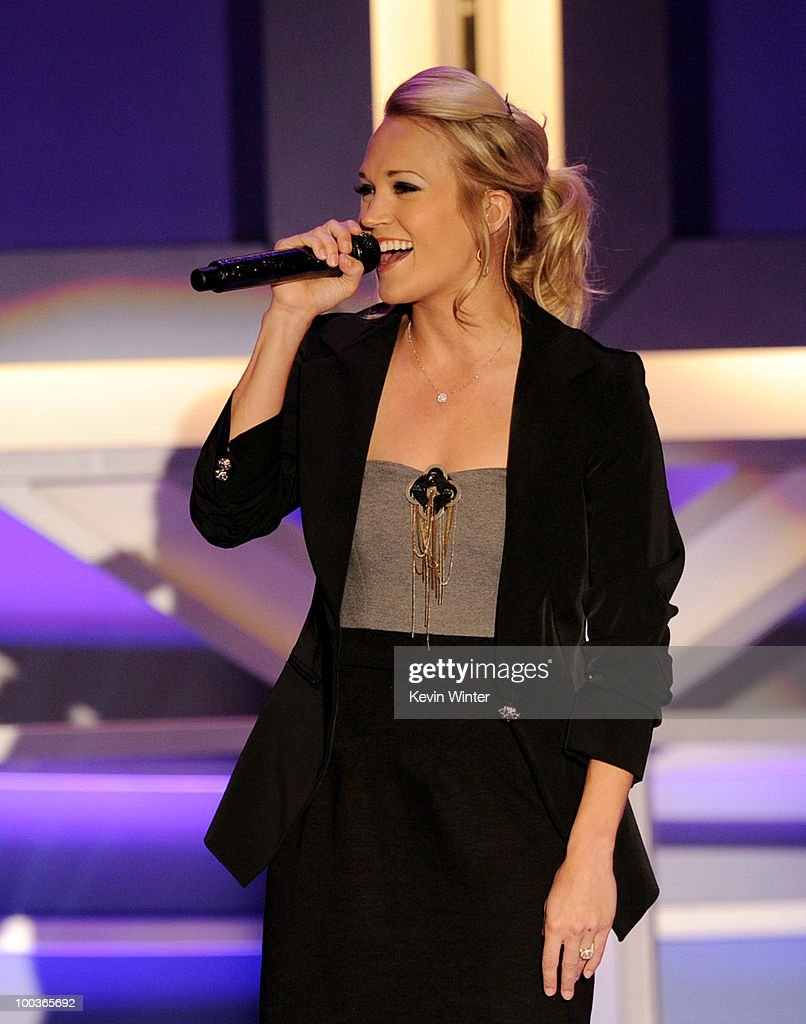 Singer Carrie Underwood performs at the Cedars-Sinai Sports Spectacular at the Century Plaza Hotel on May 23, 2010 in Los Angeles, California.