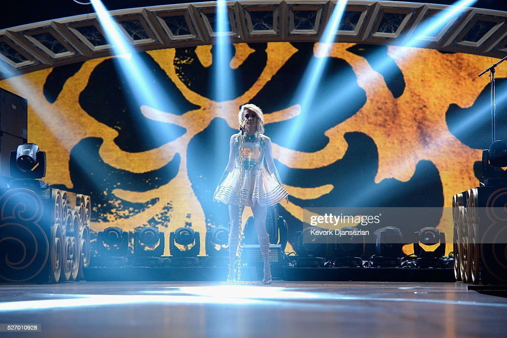 Singer Carrie Underwood performs onstage during the 2016 American Country Countdown Awards at The Forum on May 1, 2016 in Inglewood, California.