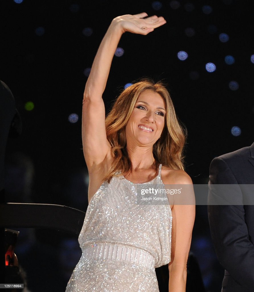 Singer <a gi-track='captionPersonalityLinkClicked' href=/galleries/search?phrase=Celine+Dion&family=editorial&specificpeople=202973 ng-click='$event.stopPropagation()'>Celine Dion</a> performs at Central Park, Great Lawn on September 15, 2011 in New York City.