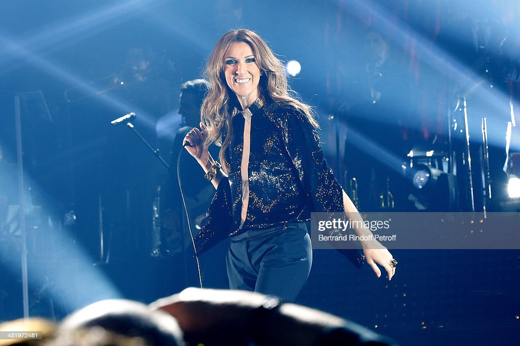 Singer Celine Dion performs at Palais Omnisports de Bercy on November 25, 2013 in Paris, France.