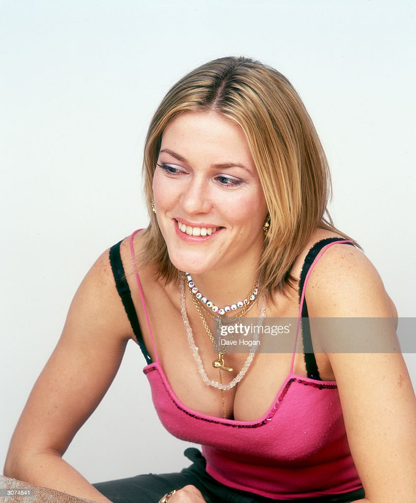 Singer Cerys Matthews of of Welsh group Catatonia, circa 1998.