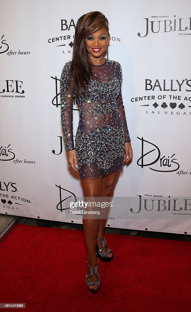 Singer Chante Moore arrives at the 'Jubilee' show's grand reopening at Bally's Las Vegas on March 29 2014 in Las Vegas Nevada
