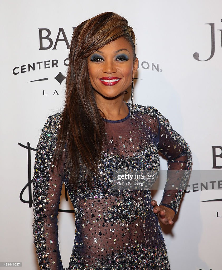 Singer <a gi-track='captionPersonalityLinkClicked' href=/galleries/search?phrase=Chante+Moore&family=editorial&specificpeople=2260137 ng-click='$event.stopPropagation()'>Chante Moore</a> arrives at the 'Jubilee' show's grand re-opening at Bally's Las Vegas on March 29, 2014 in Las Vegas, Nevada.