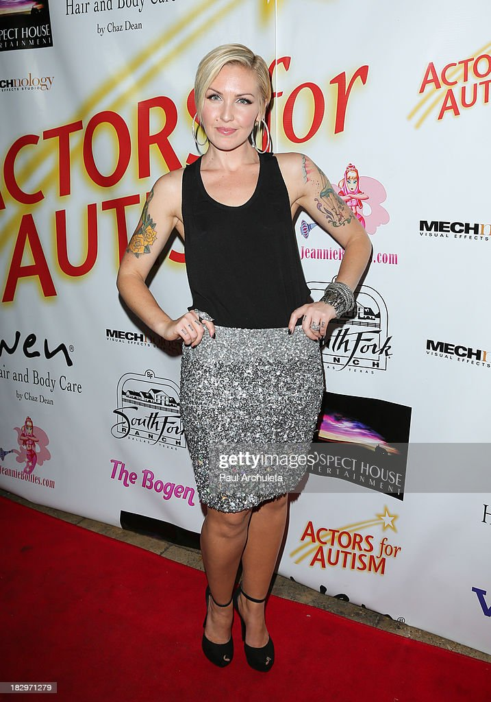 Singer <a gi-track='captionPersonalityLinkClicked' href=/galleries/search?phrase=Cherish+Lee&family=editorial&specificpeople=809422 ng-click='$event.stopPropagation()'>Cherish Lee</a> attends the Actors For Autism presenting Reach For The Stars honoring Joe Mantegna at Rockwell on October 2, 2013 in Los Angeles, California.