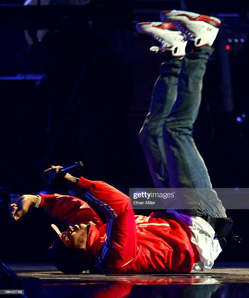 Singer <a gi-track='captionPersonalityLinkClicked' href=/galleries/search?phrase=Chris+Brown+-+Singer&family=editorial&specificpeople=4452016 ng-click='$event.stopPropagation()'>Chris Brown</a> performs during the iHeartRadio Music Festival at the MGM Grand Garden Arena on September 20, 2013 in Las Vegas, Nevada.