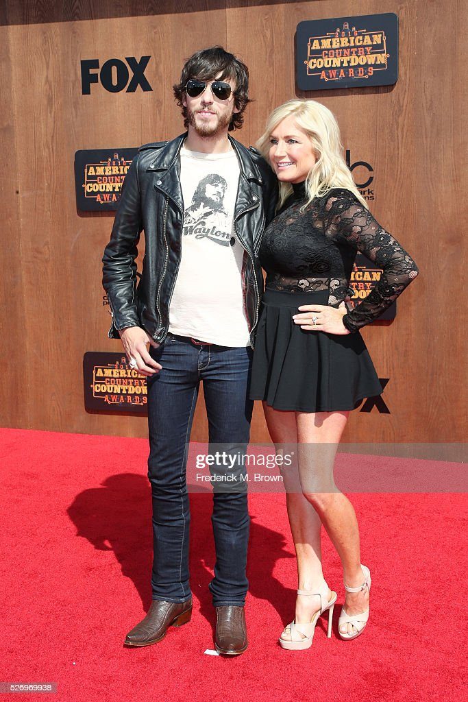 Singer Chris Janson (L) and Kelly Janson attend the 2016 American Country Countdown Awards at The Forum on May 1, 2016 in Inglewood, California.