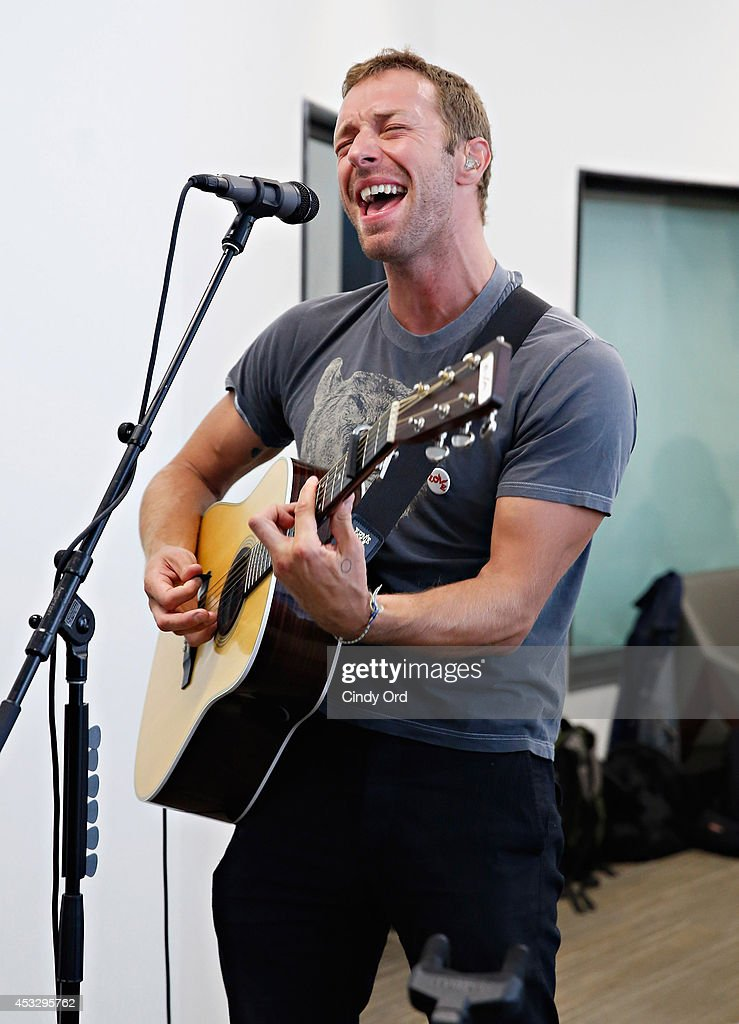 Singer Chris Martin performs live during the 'Elvis Duran Z100 Morning Show' at Z100 Studio on August 7 2014 in New York City